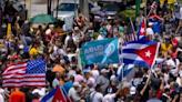 古巴62年來最大示威》受夠了!民眾排隊8小時買麵包 卡斯楚孫子卻爽開賓士兜風