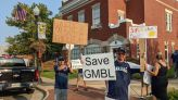 Hundreds rally to save Greater Manassas Baseball League's field complex | WTOP
