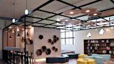 三峽分館自修室飄咖啡香 工業風「蜂」潮閱讀休憩區吸睛