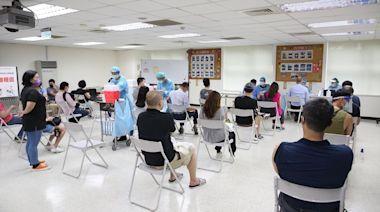 天龍國40萬長者接種第2劑疫苗 柯市府準備好了!關鍵是中央疫苗沒到貨 | 蘋果新聞網 | 蘋果日報