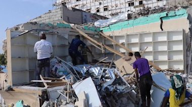 Explosions in Mogadishu kill at least 11 people, injure 25 others