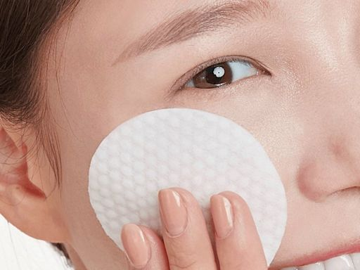 皮膚科醫生居家刷酸技巧!杏仁酸、果酸、A酸功效解析,代謝粉刺痘痘、膚觸細緻有感