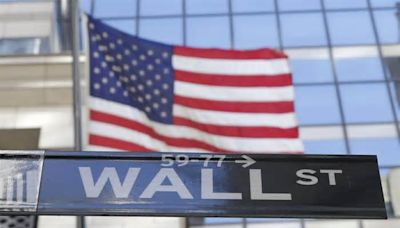 Dow Jones sinks more than 500 points, capping worst week since October