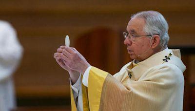Bishops to discuss whether Biden, politicians should get Communion