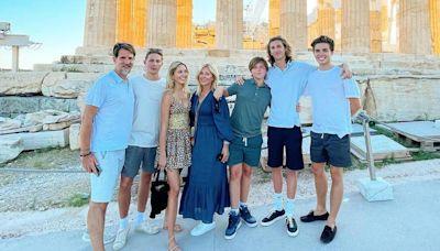Marie Chantal y Pablo de Grecia regresan al país heleno para sus vacaciones familiares
