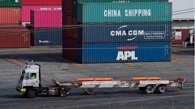 中國外貿順差爆跌是什麼信號?(圖) - 財經冷眼 - 財經評論