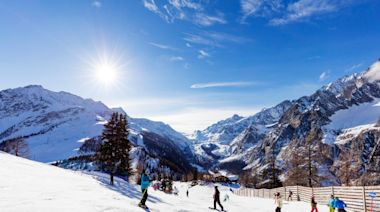 Austria defies Italy's appeal for Alps ski resorts to close at Christmas to stem virus
