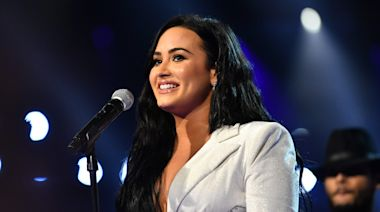 Demi Lovato debuts politically charged 'Commander in Chief' at Billboard Music Awards