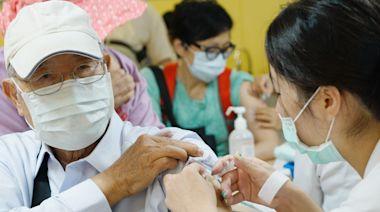 武漢肺炎》疫苗單日施打3.2萬劑再創新高!陳時中:自費暫停預約