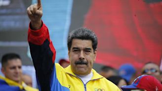 Venezuela's Maduro battles for control of US-based refinery