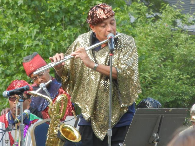 Danny Ray Thompson, Flute, Sun Ra Arkestra in album people