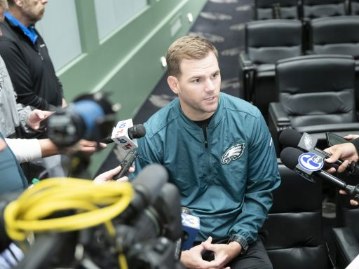 Eagles to part ways with QB coach Press Taylor