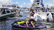 Tampa Bay Lightning celebrates Stanley Cup win with boat parade