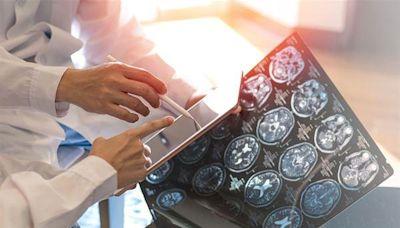 「腦中風紅色警報」自我評估表,及早揪出腦中風8大危險因子!