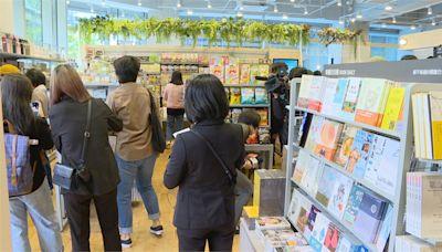 買菜還可看書!連鎖書店首家社區店插旗內湖
