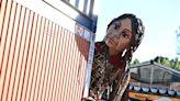 【圖輯】3.5公尺高木偶「小艾瑪爾」踏上橫跨八國尋母之旅,呼籲各界關注敘利亞兒童困境 - The News Lens 關鍵評論網