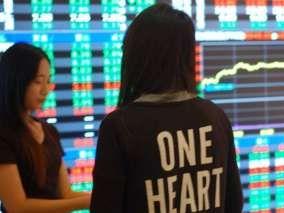 台股基金定期定額月增兩成 一張表掌握扣款前十強基金