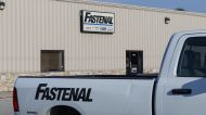 Fastenal sales rise, Signet to buy Diamonds Direct, American Airlines' upbeat guidance