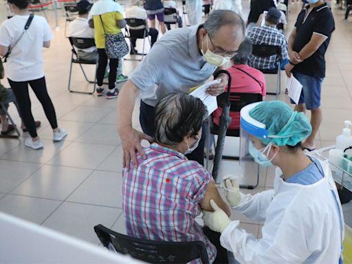 COVID-19/7月19以後修改意願打疫苗還要再等等!打完第四五輪疫苗只剩約50萬