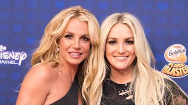 "Jamie Lynn Spears Makes Rare Comment About Britney Spears' ""Challenging Year"""