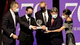 El Premio Planeta del millón de euros corona a Carmen Mola y descubre su identidad: Jorge Díaz, Agustín Martínez y Antonio Mercero