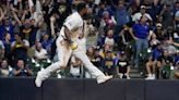 Brewers clinch 4th straight playoff berth with win vs Cubs