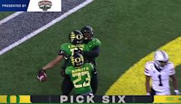 Highlights: No. 3 Oregon football begins conference play with 41-19 victory against Arizona to remain undefeated