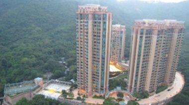 信報地產投資 -- 移民降價258萬沽曉峰園3房
