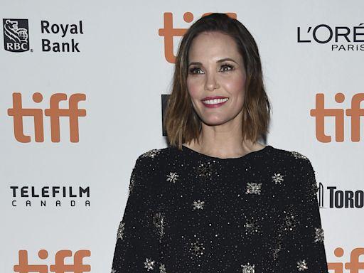 Leslie Bibb Joins Sebastian Maniscalco & Robert De Niro In Lionsgate's 'About My Father'