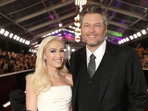 Gwen Stefani & Blake Shelton Are Engaged — & The Ring Is Blinding