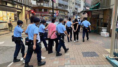 四男女被指向警展示假「安心出行」App 涉誤導警員被捕   立場報道   立場新聞
