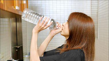 口渴、尿液濃? 別讓身體鬧水荒 - 即時新聞 - 自由健康網