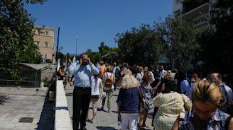Strong Earthquake Rattles Athens