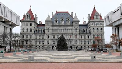 N.Y. prepares for possible staff shortages as COVID vaccine mandate nears