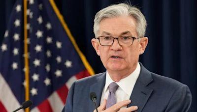 聯準會維持近零利率 暗示最快明年升息