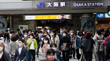 日本大阪每百萬染疫病歿數超越印度 卻更多人外出