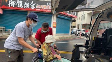 首波高齡長者疫苗開打 台南37區公所溫馨服務熊貼心