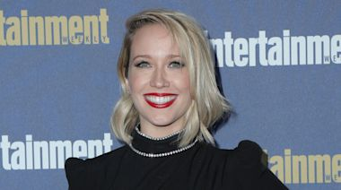 'Pitch Perfect' Star Anna Camp Shares Her Coronavirus Symptoms, Urges People to Wear Masks