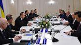 俄國與亞美尼亞及阿塞拜疆三國外長會面商納卡停火情況