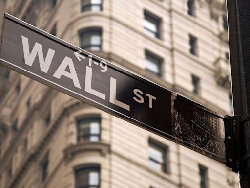 美股3大指數低收 觀望業績期及通脹數據 - RTHK