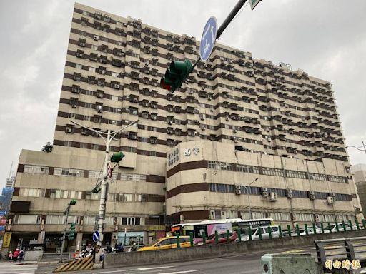 柯文哲認應修法強制設管委會 北市明年起8樓以上需公安申報