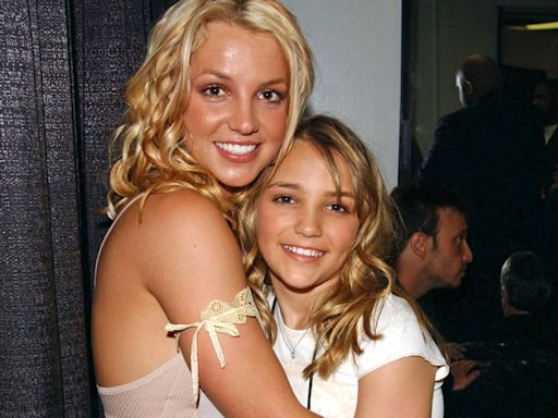 """How Jamie Lynn Spears' Zoey 101 Role """"Pulled Her Away"""" From Britney Spears"""