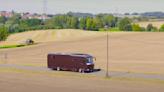 移動式帝寶登場!德國豪華 RV 車廠 Volkner 推出要價 $5000萬露營車,媲美豪宅還「裝下一台超跑」?