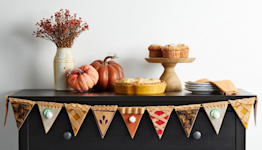 Decorate for Thanksgiving with This Felt Pie Slice Garland