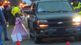 First responders hold trunk or treat for kids - WBBJ TV