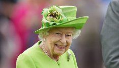 Queen Elizabeth II Returns to Work Less Than a Week After Hospitalization