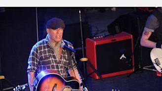 Bruce Springsteen, Bon Jovi Holding Coronavirus Fundraiser For NJ