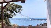 宛如希臘山城海景咖啡館!超Chill濱海無敵美景看到飽 | 蕃新聞