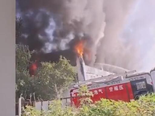 吉林一倉庫起火 十四死二十六傷 多人避火墜樓