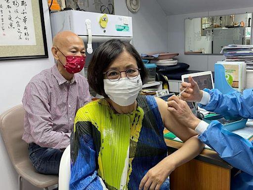 新冠肺炎|73歲汪明荃打科興疫苗:完全沒有任何不舒服